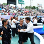 Newly baptized members enjoy their experience during the Seventh-day Adventist Church's evangelistic celebration at Estadio Universitario de Caracas in Caracas, Venezuela, April 16, 2016. Some 4,012 were baptized during the day's event marking the end of intense evangelistic efforts in the metropolitan city and across the East Venezuela Union, or region. Image by Libna Stevens.