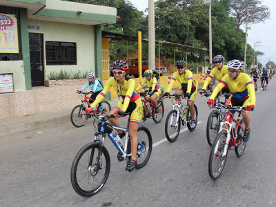 Hundreds of cyclists take part in the Adventist Church's special event in Cucuta, Norte Santander, in Colombia to promote health and hope in the city, on Apr. 17, 2016. Image by Alessandro Simoes/Shirley Rueda