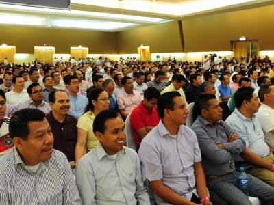 """More than 1,300 district pastors, department directors and administrators from across Mexico and Jamaica met for Inter-America's second regional summit on the """"Lord Transform Me"""" evangelism initiative that began in Riviera Maya, Quintana Roo in Mexico, June 5, 2016. Images by Libna Stevens/IAD"""