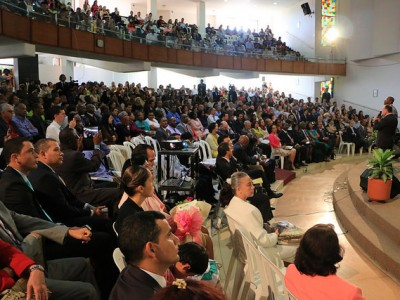 More than 350 Adventist professionals and church leaders gathered at the Colombia Adventist University Church in Medellin, Colombia. Image by Camilo Rodriguez/Daniela Arrieta